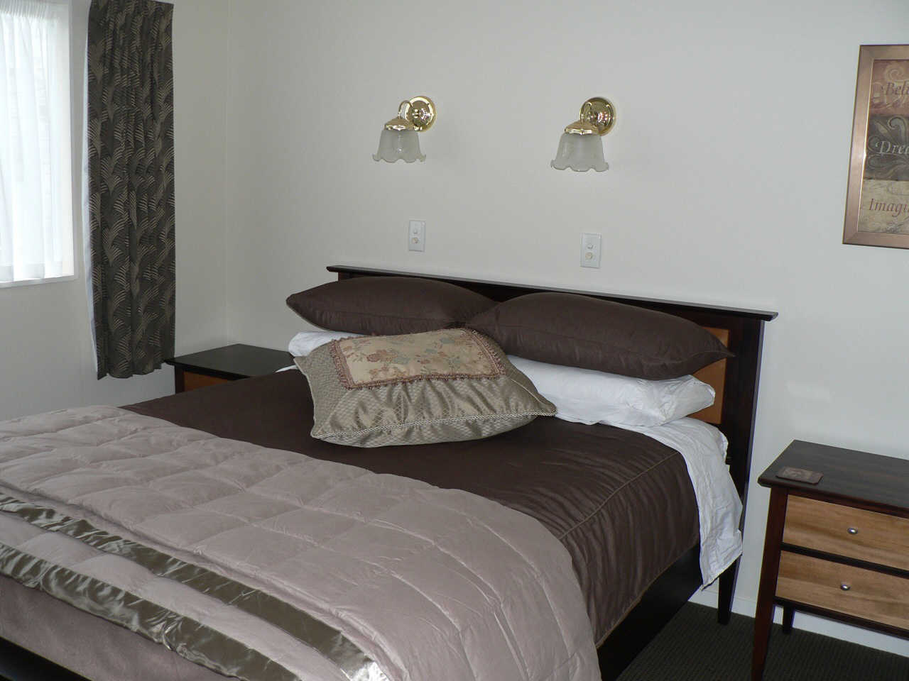 FULLY FURNISHED IN MT VICTORIA