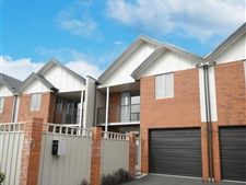 Lovewly Two Storey Townhouse