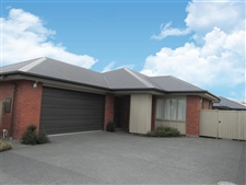 Family Living - In Ferrymead