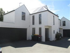 Within Walking Distance Of Shops & Cafes