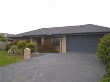 Modern Family Home In Popular Rolleston