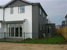 Modern Townhouse In Popular Aidanfield