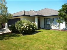 Family Home In Peaceful Milns Estate