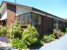 Executive Family Home in Popular Burnside