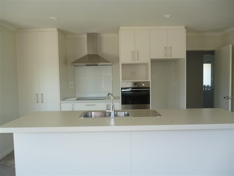 Near New Executive Home In Faringdon