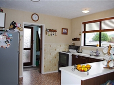 Quaint and Cosy Close To All Amenities