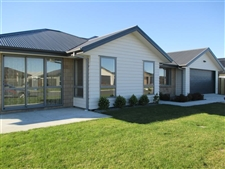 Executive Family Home In Wigram