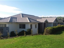 Modern Family Home in Popular Aotea